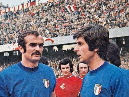 Los dos mejores jugadores de Italia, Sandro Mazzola y Gianni Rivera.