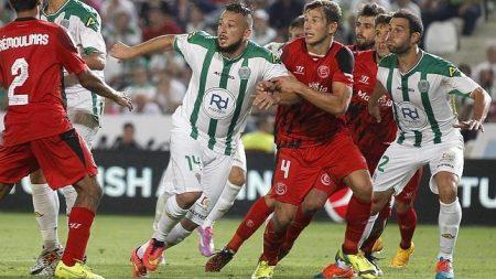 Futbolistas gordos. Nabil Ghilas en su presentación como jugador del Córdoba