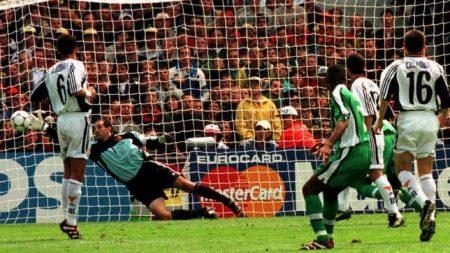 Nigeria venció por 3-2 a España en el Mundial de Francia 98