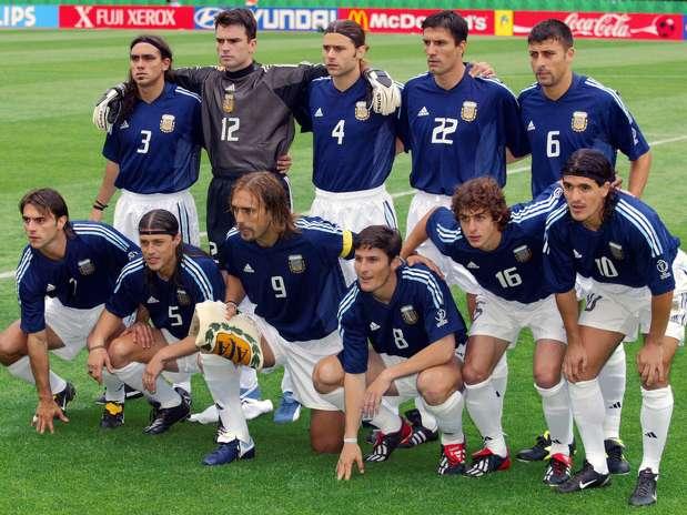 Argentina 2002. De izqda a drcha y arriba a abajo: Sorín, Cavallero, Pochettino, Chamot, Zanetti; Claudio López, Almeyda, Batistuta, Zanetti, Aimar y Ortega.