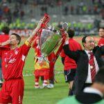 Spanish Liverpool campeón Champions. Steven Gerrard y Rafa Benítez; capitán y entrenador del Liverpool resprectivamente