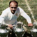 Di Stéfano posa con sus 5 Copas de Europa.