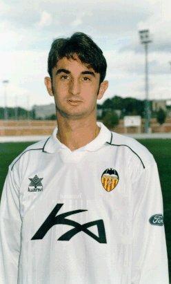 Leandro Machado siendo presentado como valencianista. Fuente: deportevalenciano.com