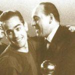 Luis Suárez recogiendo el Balón de Oro de 1960.