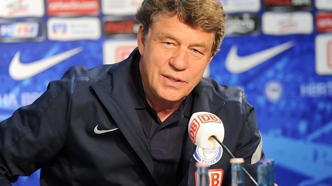 Otto Rehhagel, seleccionador de Grecia durante una década. Grecia campeona Eurocopa 2004