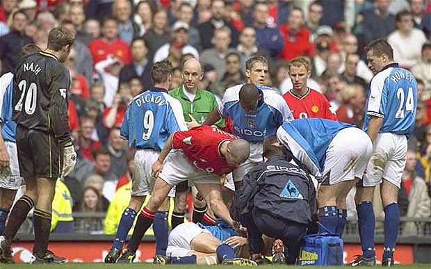 El entradón de Roy Keane.