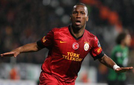 Drogba celebrando untanto con el Galatasaray