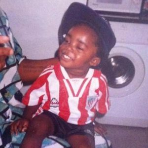 Iñaki Williams de niño con la camiseta del Athletic. aboutbasquecountry.eus
