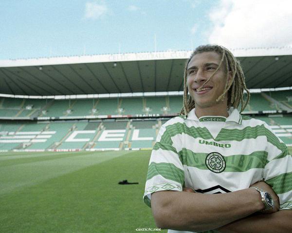 Larsson el día de su presentación como jugador del Celtic. Vía: weblogrs.com