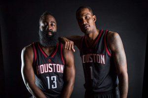 Equipaciones NBA  Harden y Ariza posando con la nueva alternativa aa893537f3caa