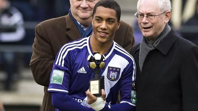 Youri Tielemans fue nombrado mejor jugador joven en Bélgica.