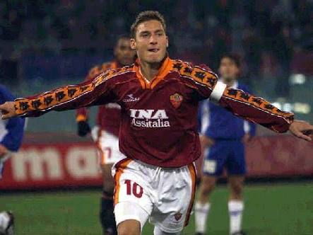 Un joven Francesco Totti vía: asroma.com
