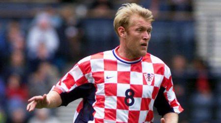 Prosinecki en uno de los 49 partidos que disputó con la selección croata