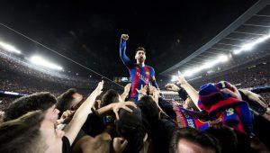 Leo Messi, tratado como tal , después del gol de Sergi Roberto