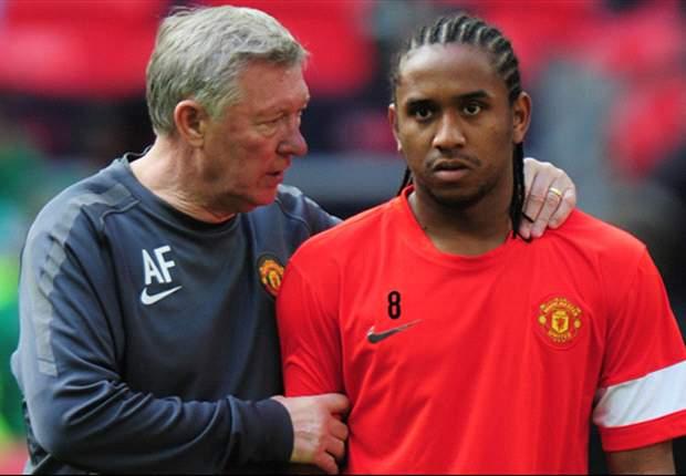 Ferguson dando instrucciones a Anderson.
