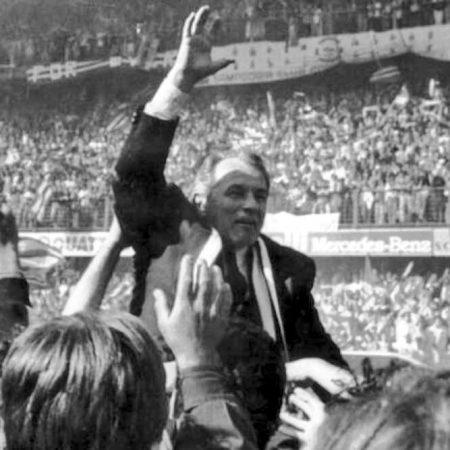 Vujadin Boskov celebrando la obtención de la Serie A en 1991.