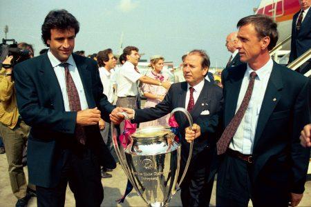 El Barcelona celebrando la Copa de Europa conseguida en 1992