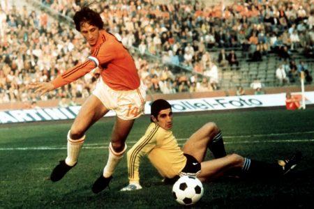 Johan Cruyff está considerado como uno de los cuatromejores jugadores de la historia