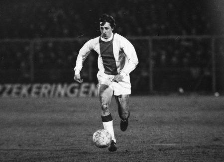 Johan Cruyff con la camiseta del Ajax