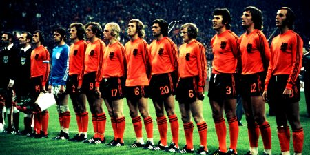 Imagen de la Naranja Mecánica, con Johan Cruyff de capitán