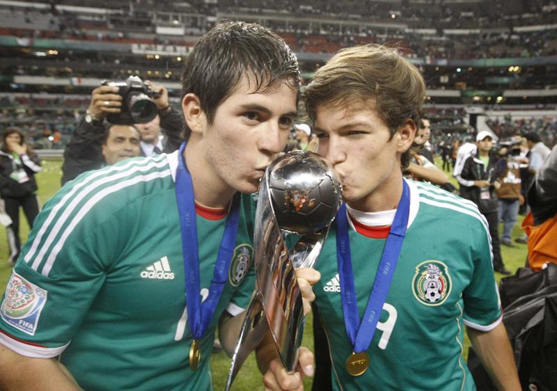 México Campeón Mundial sub-17. FINAL DE LA SUB 17 MEXICO. VS. URUGUAY EN EL ESTADIO AZTECA. Fuente: Taringa