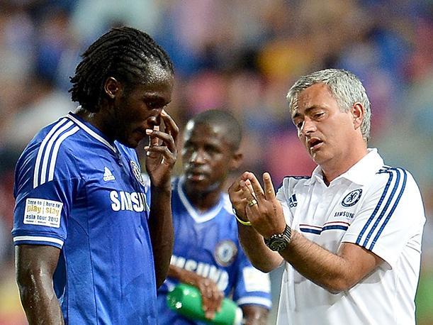 Lukaku junto a José Mourinho en su etapa como jugador del Chelsea. Peru.com