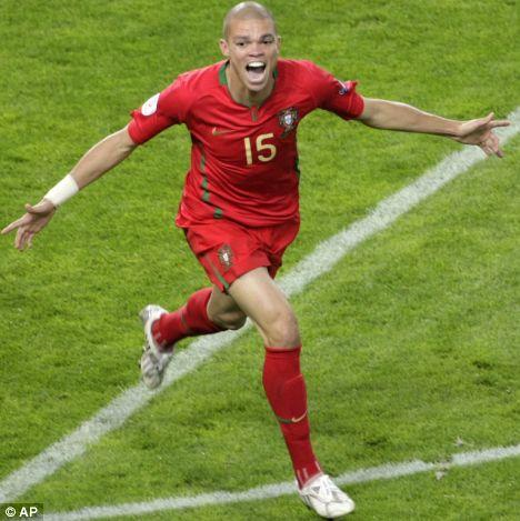 Pepe encontró su rehabilitación en el Mundial de 2010. Fuente: Google