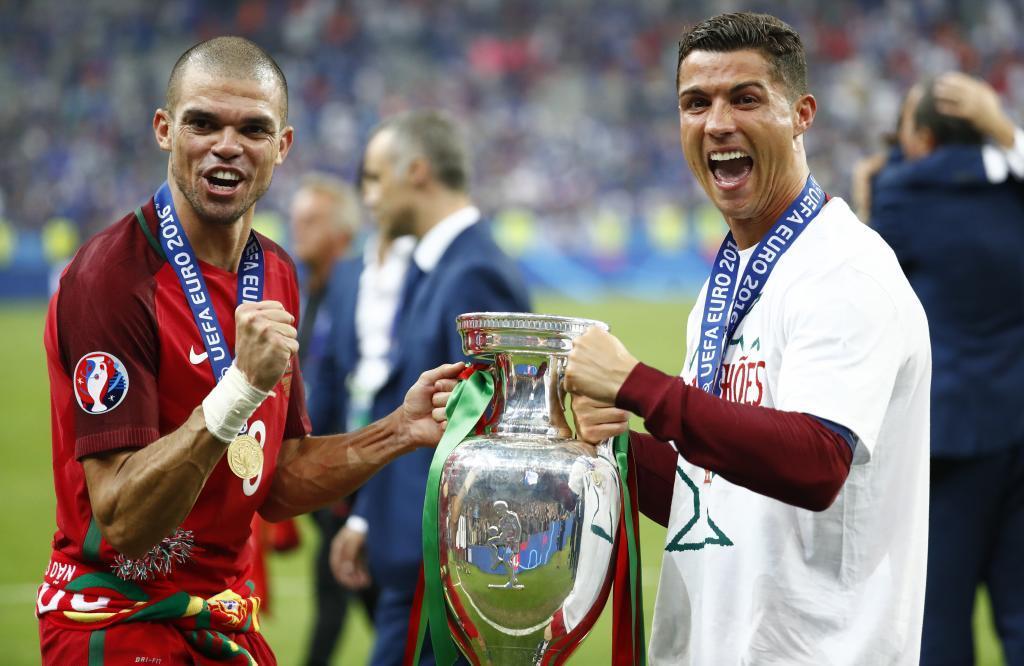 Aunque Pepe siempre ha mantenido una buena relación con todos los jugadores y todo el personal del Real Madrid con Cristiano, al ser también portugués, siempre ha tenido una muy buena relación. Lo mismo ocurría con Coentrao. Fuente: Google
