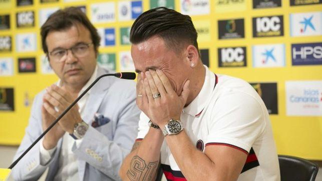 Las Palmas con Manolo Márquez. Roque Mesa entre lágrimas