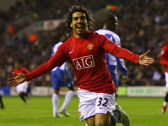 Tévez ivió una época de gran esplendor en Manchester jugando para los 'red devils'. Fuente: Google