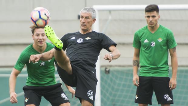 Fichajes Betis 2017-18. El entrenador cántabro se pone manos a la obra con su nuevo equipo