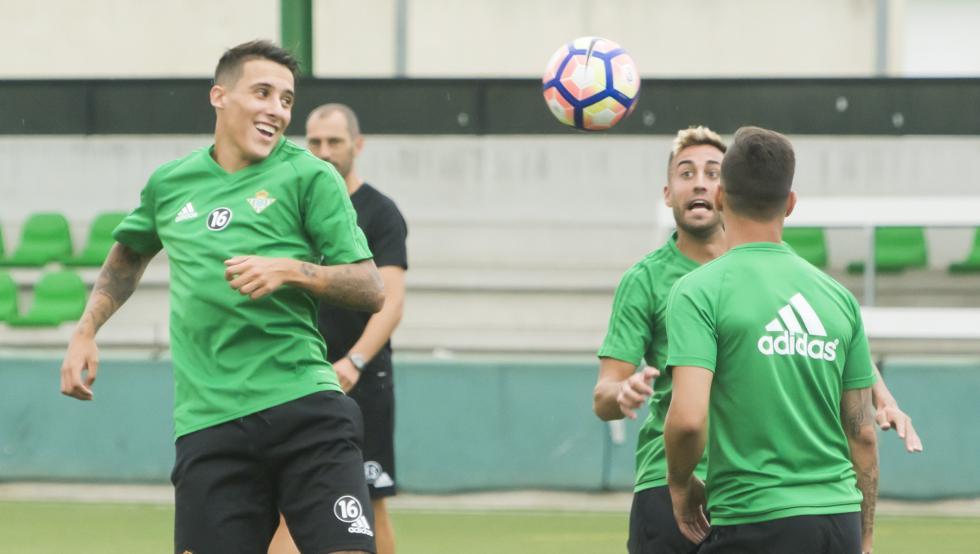 Fichajes Betis 2017-18. Cristian Tello y Víctor Camarasa bajo las órdenes de Quique Setién