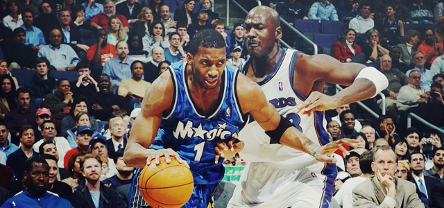 Tracy McGrady ataca a Michael Jordan.