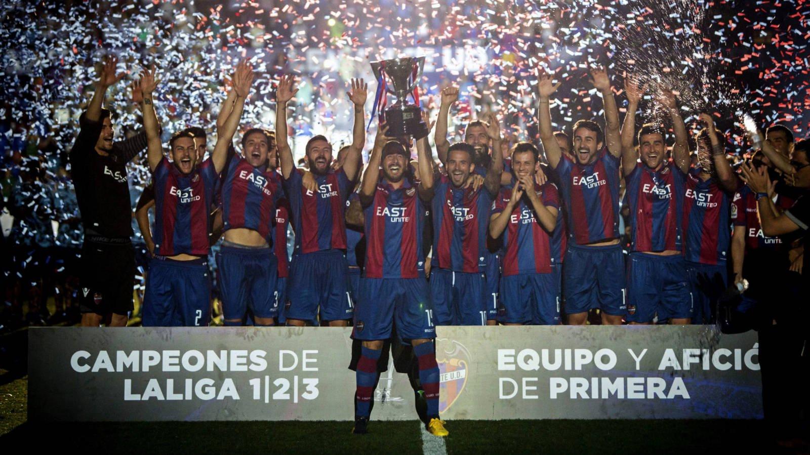 El Levante se alzó como campeón de Segunda División con gran diferencia sobre los demás candidatos, una gesta increíble.