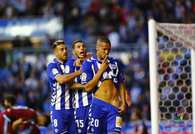 Alavés con Zubeldia. Tres de las figuras del Alavés de la temporada 16/17.