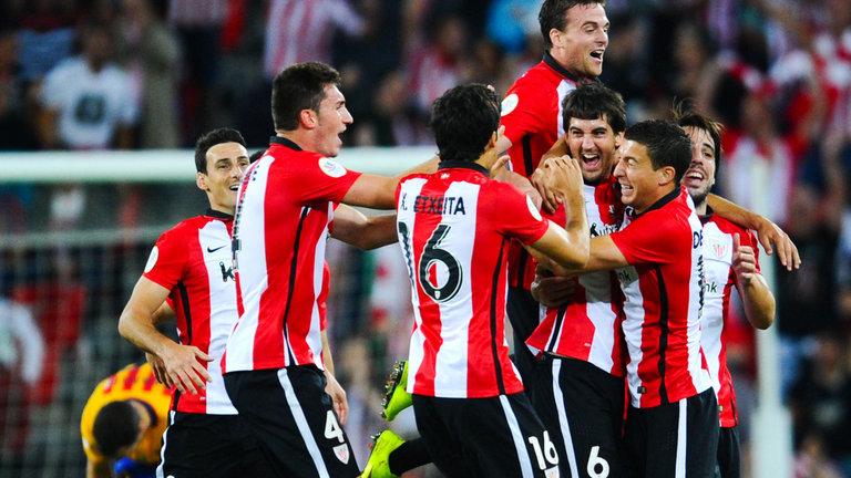 Athletic 2017-18. Jugadores celebrando un gol.