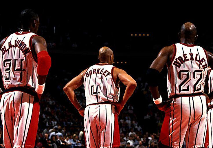 Olajuwon, Charles Barkley y Drexler, con Houston Rockets.