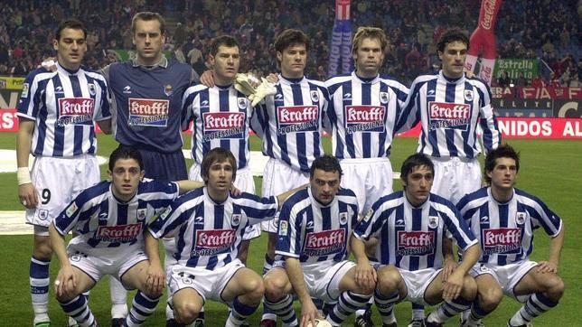Alineación de la Real Sociedad líder en la temporada 2002/03.