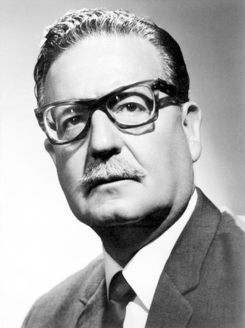 El presidente Salvador Allende se suicidó durante el golpe militar.