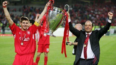 Gerrard y Benítez levantan una nueva Champions para los ''reds''.