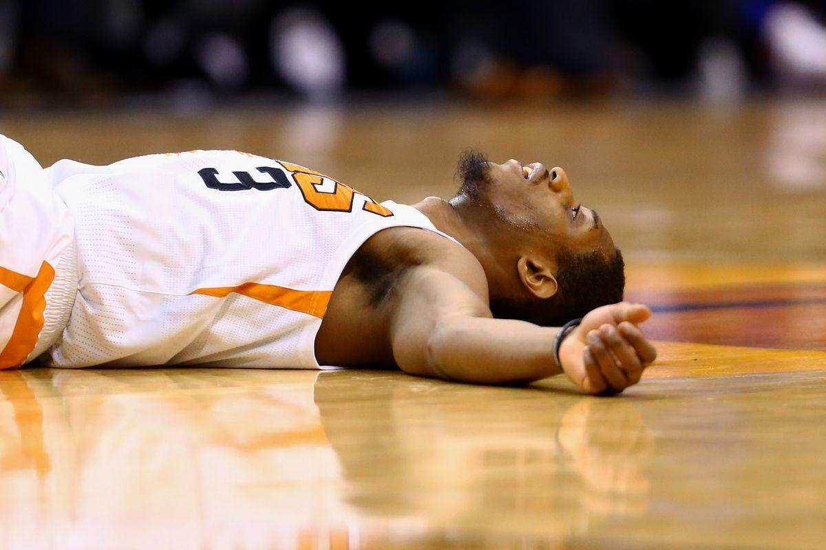 Phoenix Suns. Brandon Knight, jugador de los Phoenix Suns, de los peores jugadores en cuanto a suerte con lesiones.