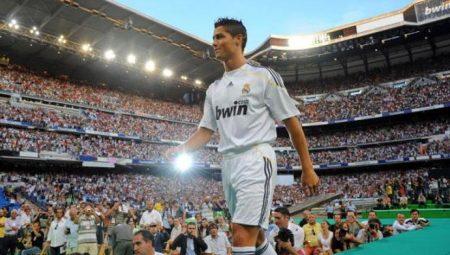 En su presentación con el Real Madrid, Cristiano, conoció a un Bernabéu abarrotado