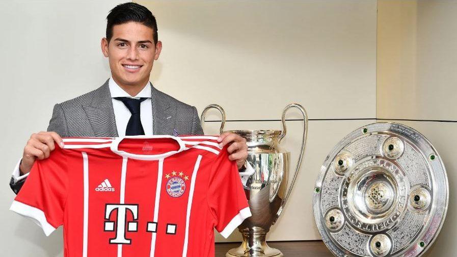 James presentado con el Bayern.