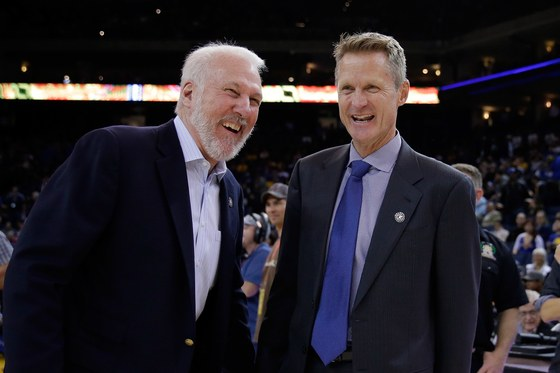 Golden State Warriors 2018-18. El entrenador de Golden State junto a Gregg Popovich, uno de los mejores de todos los tiempos.