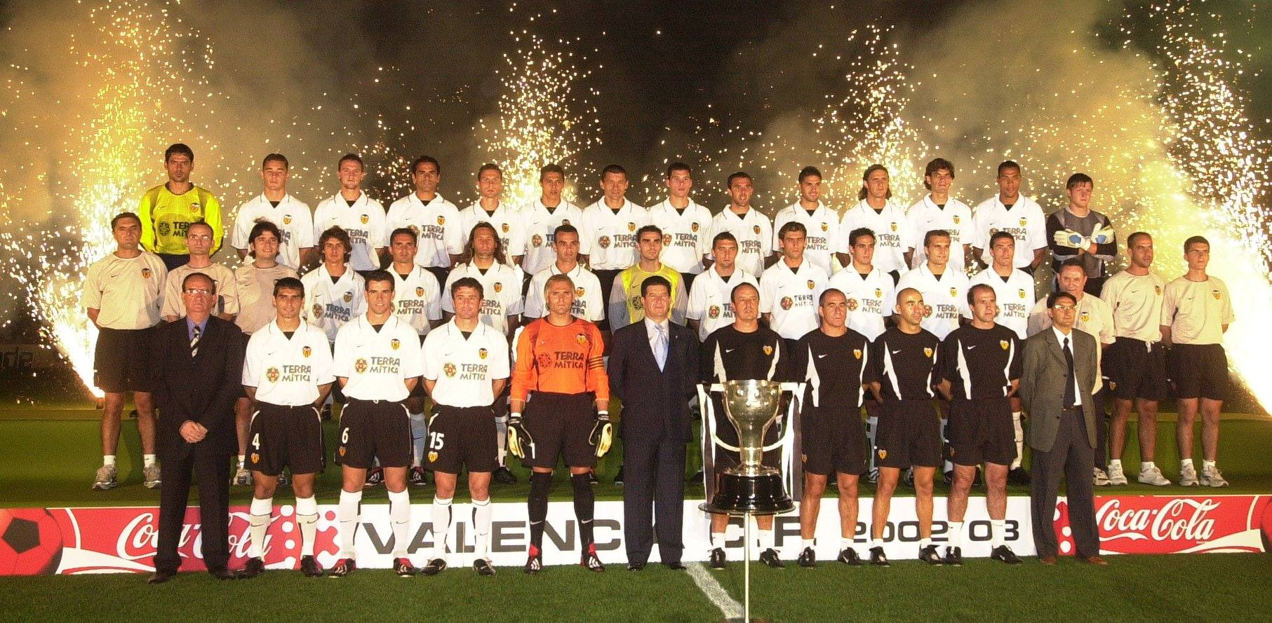 Valencia CF. Campeón de liga, temporada 2001-2002. Lasprovincias.es