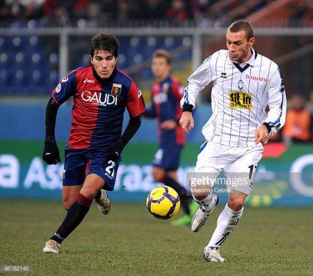 Su fichaje por el Genoa parecía que iba a ser su trampolín al gran panorama internacional.