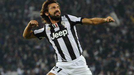 """""""El Maestro"""" Andrea Pirlo celebrando un gol con la camiseta de la Juventus."""
