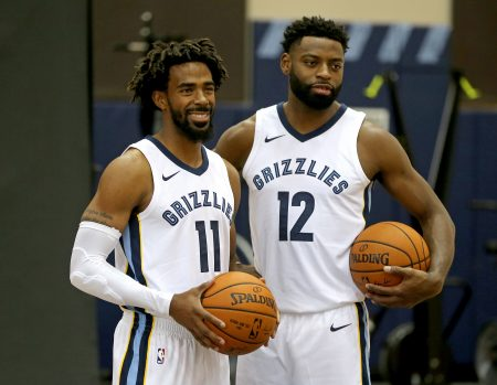 Evans y Conley durante el Media Day.