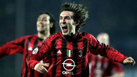 Andrea Pirlo durante un partido con el AC Milan