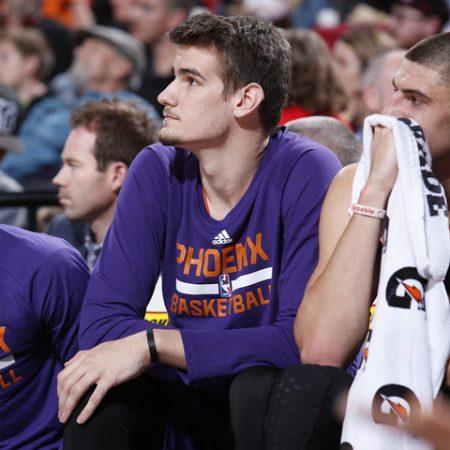 Len y Dragan Bender, dos novatos de la NBA.